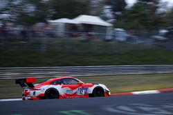 #12 Manthey Racing Porsche 911 GT3 R: Otto Klohs, Lars Kern, Dennis Olsen, Philipp Frommenwiler