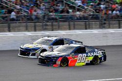 Alex Bowman, Hendrick Motorsports, Chevrolet Camaro Axalta e Chase Elliott, Hendrick Motorsports, Chevrolet Camaro NAPA Auto Parts