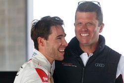 Гонщики Audi Sport Customer Racing Гарт Тандер и Кельвин ван дер Линде