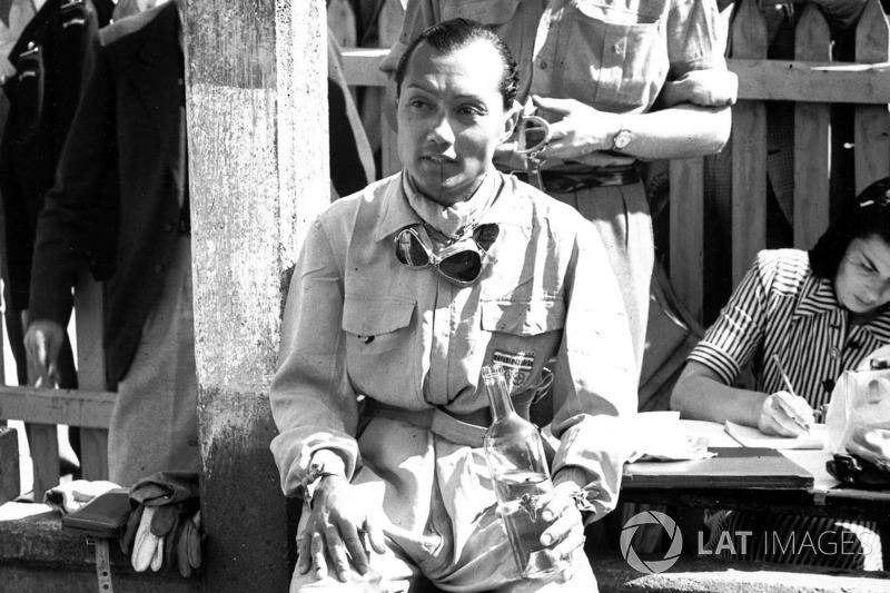 В прошлом это удалось Принцу Бира (Бирабонгзе Банудей Банубанду). На Maserati он трижды финишировал в топ-5 с 1950 по 1954 годы