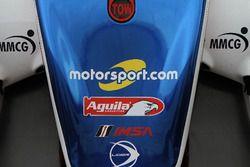 Motorsport.com logo on the #32 United Autosports Ligier LMP2: Will Owen, Hugo de Sadeleer, Paul Di R