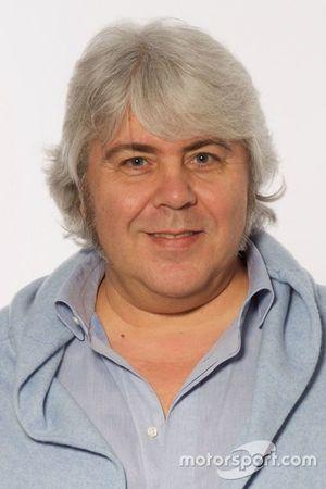 Giovanni Cuzari, Forward Racing, proprietario