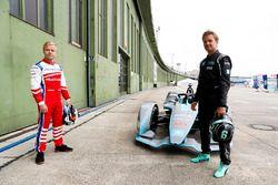 Felix Rosenqvist, Mahindra Racing, Formula 1 World Champion, Nico Rosberg, with the Gen2 Formula E car