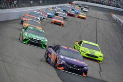Denny Hamlin, Joe Gibbs Racing, Toyota Camry FedEx Freight, Kyle Busch, Joe Gibbs Racing, Toyota Camry Interstate Batteries, Ryan Blaney, Team Penske, Ford Fusion Menards/Sylvania