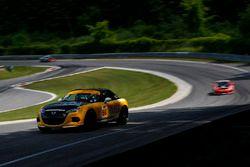 #66 Riley Racing, Mazda MX-5, ST: Jameson Riley, AJ Riley
