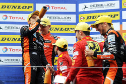 Podium: race winners #26 G-Drive Racing Oreca 07 - Gibson: Roman Rusinov