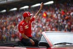 Kimi Raikkonen, Ferrari, lors de la parade des pilotes