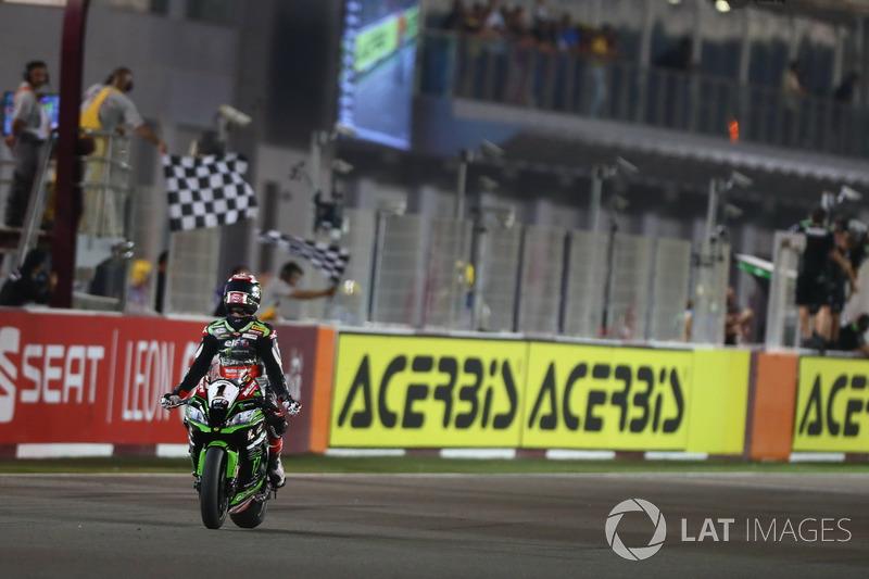 Checkered flag for Jonathan Rea, Kawasaki Racing