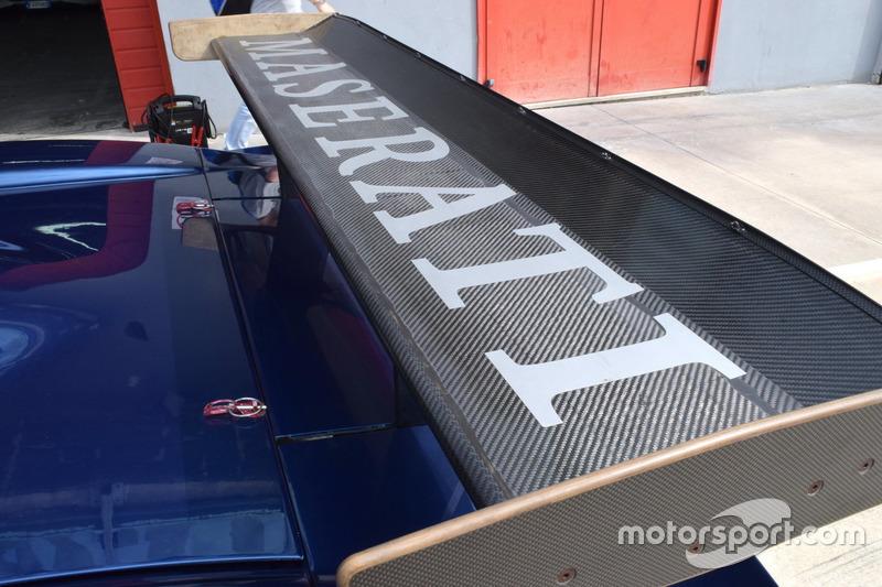 Ala posteriore Maserati MC12
