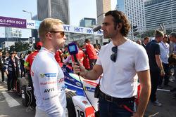 TV Pundit Dario Franchitti ve Felix Rosenqvist, Mahindra Racing