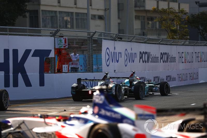 Oliver Turvey, NIO Formula E Team, leads Nelson Piquet Jr., Jaguar Racing, Felix Rosenqvist, Mahindra Racing