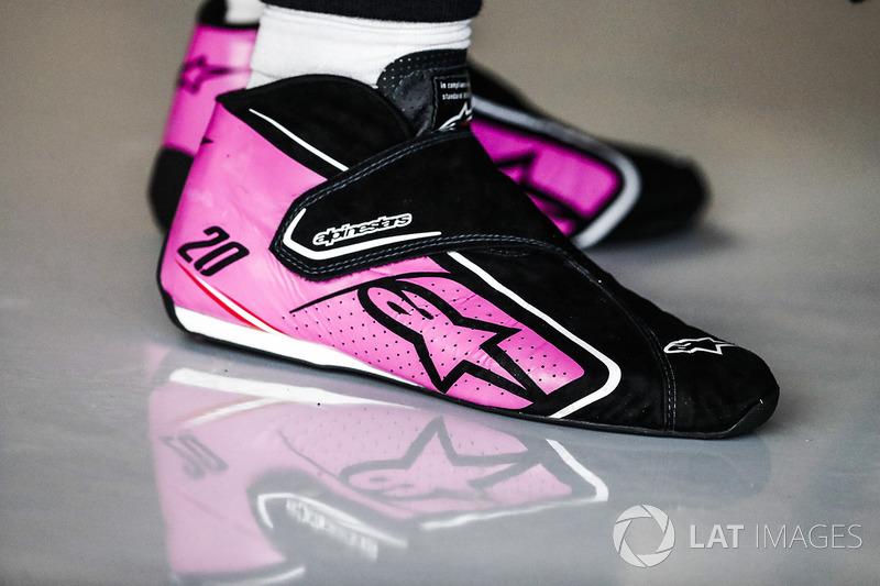 Le scarpe di Kevin Magnussen, Haas F1 Team