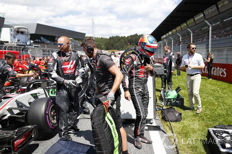 Romain Grosjean, Haas F1 Team, sur la grille