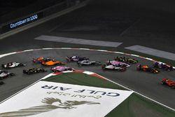 Lewis Hamilton, Mercedes-AMG F1 W09 EQ Power+ alla partenza della gara