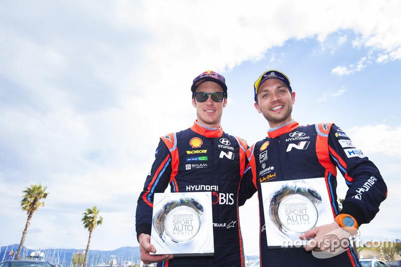 Podio: al terzo posto Thierry Neuville, Nicolas Gilsoul, Hyundai Motorsport Hyundai i20 Coupe WRC