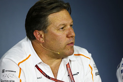 Zak Brown, Director Ejecutivo, McLaren Technology Group, en la conferencia de prensa de los directores del equipo