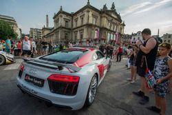 Audi R8 güvenlik aracı