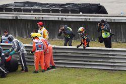 Daniel Ricciardo, Red Bull Racing stops on track in FP3