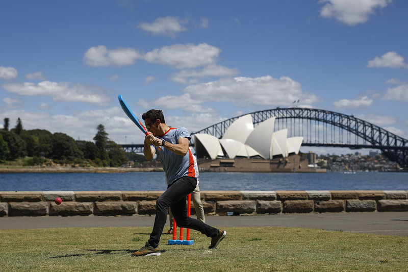 Thierry Neuville, Hyundai Motorsport plays cricket