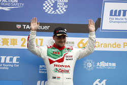 Podio: il secondo classificato Norbert Michelisz, Honda Racing Team JAS, Honda Civic WTCC