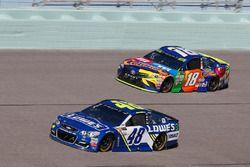 Джимми Джонсон, Hendrick Motorsports Chevrolet и Кайл Буш, Joe Gibbs Racing Toyota