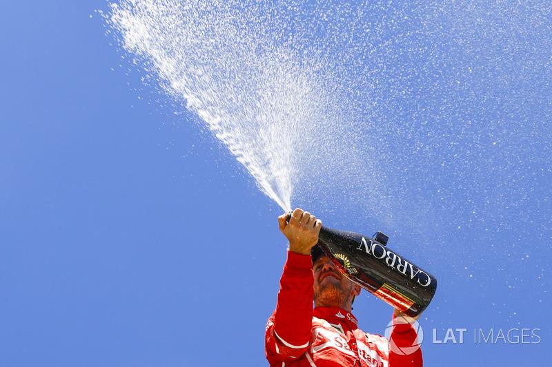 2. Podio: ganador de la carrera Sebastian Vettel, Ferrari