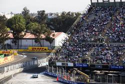 Oliver Turvey, NIO Formula E Team, con Nicolas Prost, Renault e.Dams e Lucas di Grassi, Audi Sport ABT Schaeffler