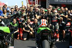 Le vainqueur, Tom Sykes, Kawasaki Racing, le deuxième, Jonathan Rea, Kawasaki Racing