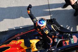 Daniel Ricciardo, Red Bull Racing RB14 celebrates in parc ferme