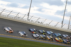 Chase Elliott, Hendrick Motorsports, Chevrolet Camaro Hooters Brad Keselowski, Team Penske, Ford Fusion Stars, Stripes, and Lites