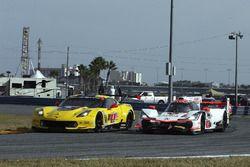 #4 Corvette Racing Chevrolet Corvette C7.R, GTLM: Oliver Gavin, Tommy Milner, Marcel Fassler, #6 Acu