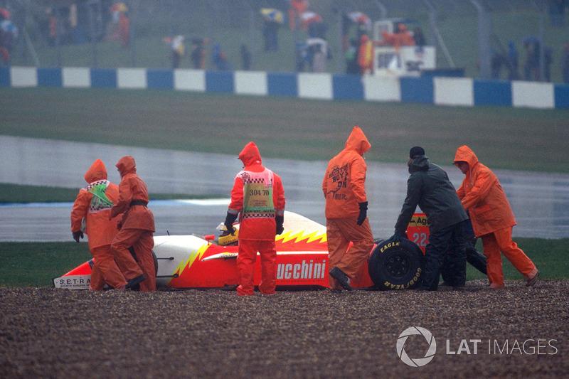 Luca Badoer, Lola BMS Ferrari T93/40 en la grava