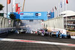 Sébastien Buemi, Renault e.Dams, Sam Bird, DS Virgin Racing, yarış startında