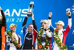 LMP2 podium: third place Vincent Capillaire, Jonathan Hirschi, Tristan Gommendy, Graff Racing