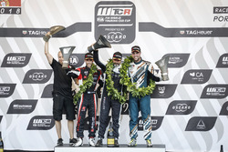 Podium: Race winner Yvan Muller, YMR Hyundai i30 N TCR, second place Yann Ehrlacher, ALL-INKL.COM Münnich Motorsport Honda Civic Type R TCR, third place Pepe Oriola, Team Oscaro by Campos Racing Cupra TCR