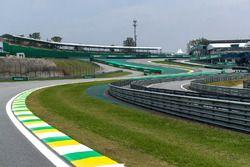 Senna-S und Curva do Sol in Interlagos