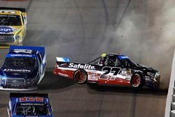 Crash: Ben Rhodes, ThorSport Racing Toyota, Austin Cindric, Brad Keselowski Racing Ford