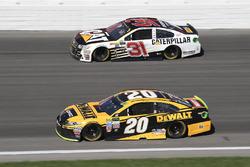 Мэтт Кенсет, Joe Gibbs Racing Toyota и Райан Ньюман, Richard Childress Racing Chevrolet