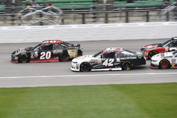 Erik Jones, Joe Gibbs Racing Toyota, Tyler Reddick, Chip Ganassi Racing Chevrolet