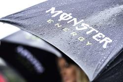 Şemsiye üzerinde yağmur