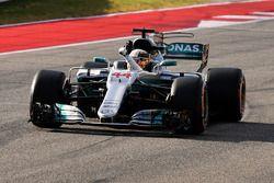 Polesitter Lewis Hamilton, Mercedes-Benz F1 W08 in gesloten wagenpark