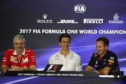 Maurizio Arrivabene, Ferrari Team Principal, Toto Wolff, Mercedes AMG F1 Director of Motorsport and