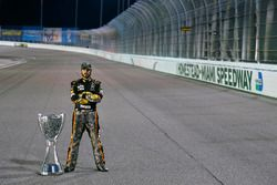 2017 şampiyonu Martin Truex Jr., Furniture Row Racing Toyota