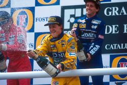 Podium: Michael Schumacher, Benetton, celebrates third place