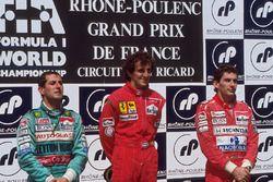Podium: winnaar Alain Prost, McLaren, tweede Ivan Capelli, Letyton House, derde Ayrton Senna, McLare