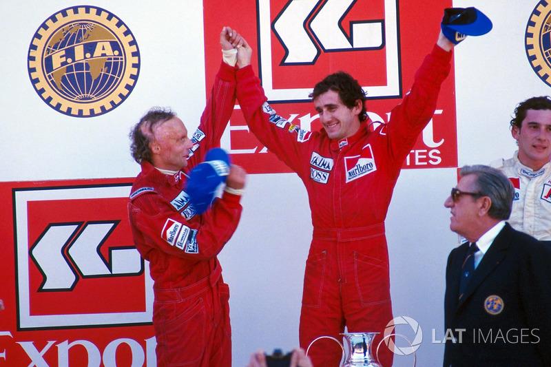Pódio do GP de Portugal de 1984: Alain Prost, vencedor, Niki Lauda, segundo colocado, Ayrton Senna em terceiro