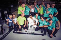 Победитель гонки Льюис Хэмилтон, Mercedes-Benz F1