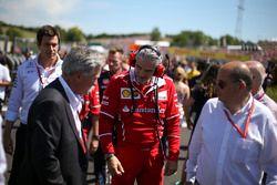 Chase Carey, Chairman, Formula One, Maurizio Arrivabene, Team Principal, Ferrari