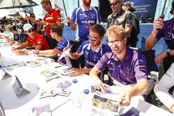 Sam Bird, DS Virgin Racing ve Robin Frijns, Amlin Andretti Formula E Team