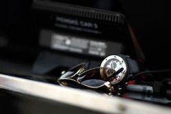 Sohnebrille und Uhr von Helio Castroneves, Team Penske